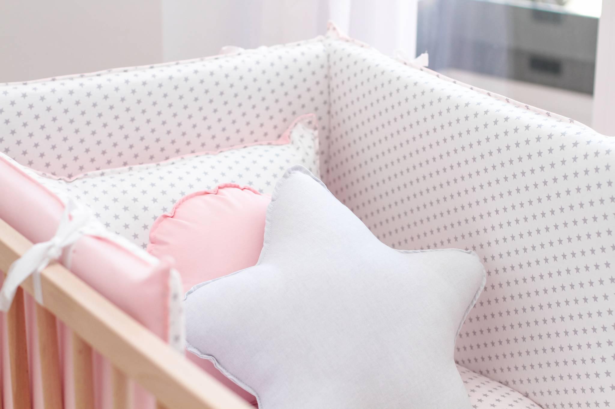 Tips para escoger el protector de cuna perfecto para tu bebé